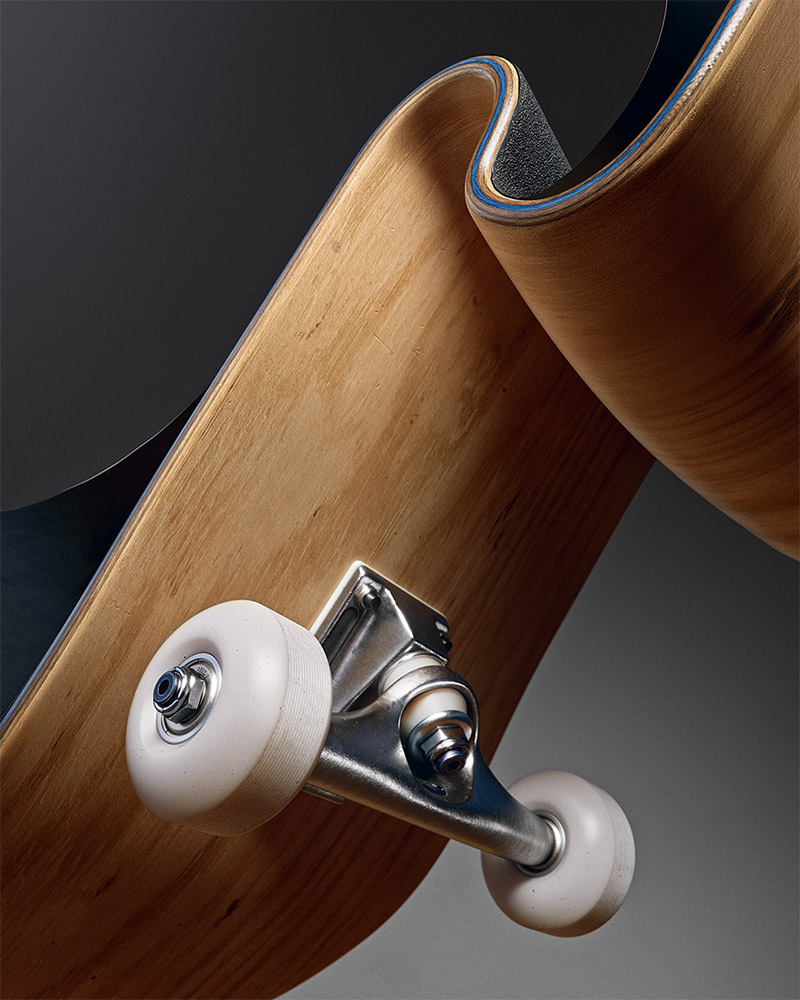 AT_Play_skateboard_1_v02